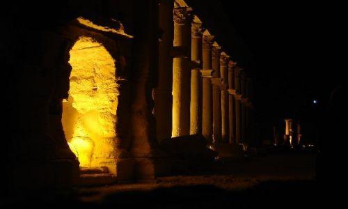 Zdjęcie SYRIA / Palmyra / Palmyra / Palmyra by night