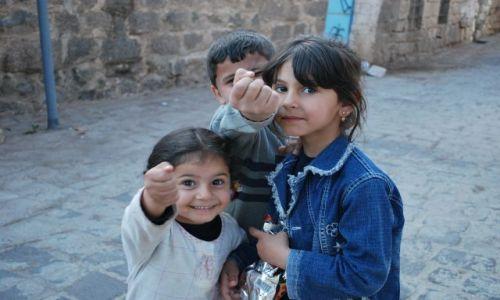 Zdjęcie SYRIA / Syria / Basra / Dzieciaki z ulic Basry