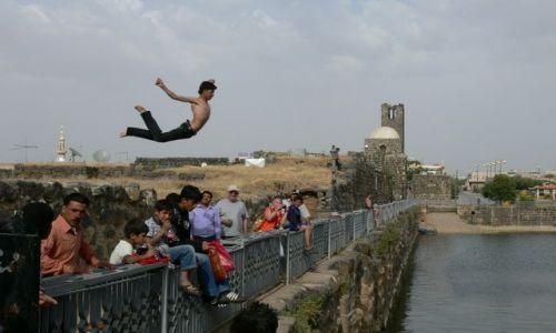 Zdjecie SYRIA / - / Bosra / skok