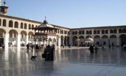 Zdjęcie SYRIA / Damaszek / Damaszek - Stare Miasto / Dziedziniec meczetu