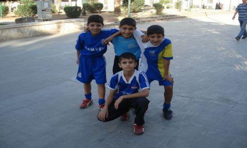 SYRIA / Homs / Homs (Hims) / Przyszłe gwiazdy
