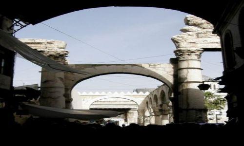 Zdjecie SYRIA / Syria / Damaszek / pomiedzy Souk a meczetem