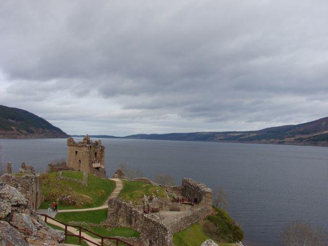 Zdjęcia: zamek w sasiedztwie Loch Ness, Loch Ness, w poszukiwaniu Nessie, SZKOCJA