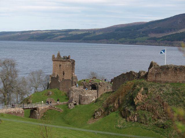 Zdj�cia: Loch Ness, Highlands, Zamek Urquhart nad Loch Ness, SZKOCJA