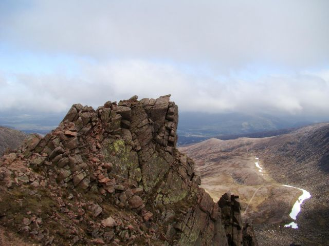 Zdj�cia: Glen More, Cairngorms Mountains, misterna ukladanka skalna, SZKOCJA
