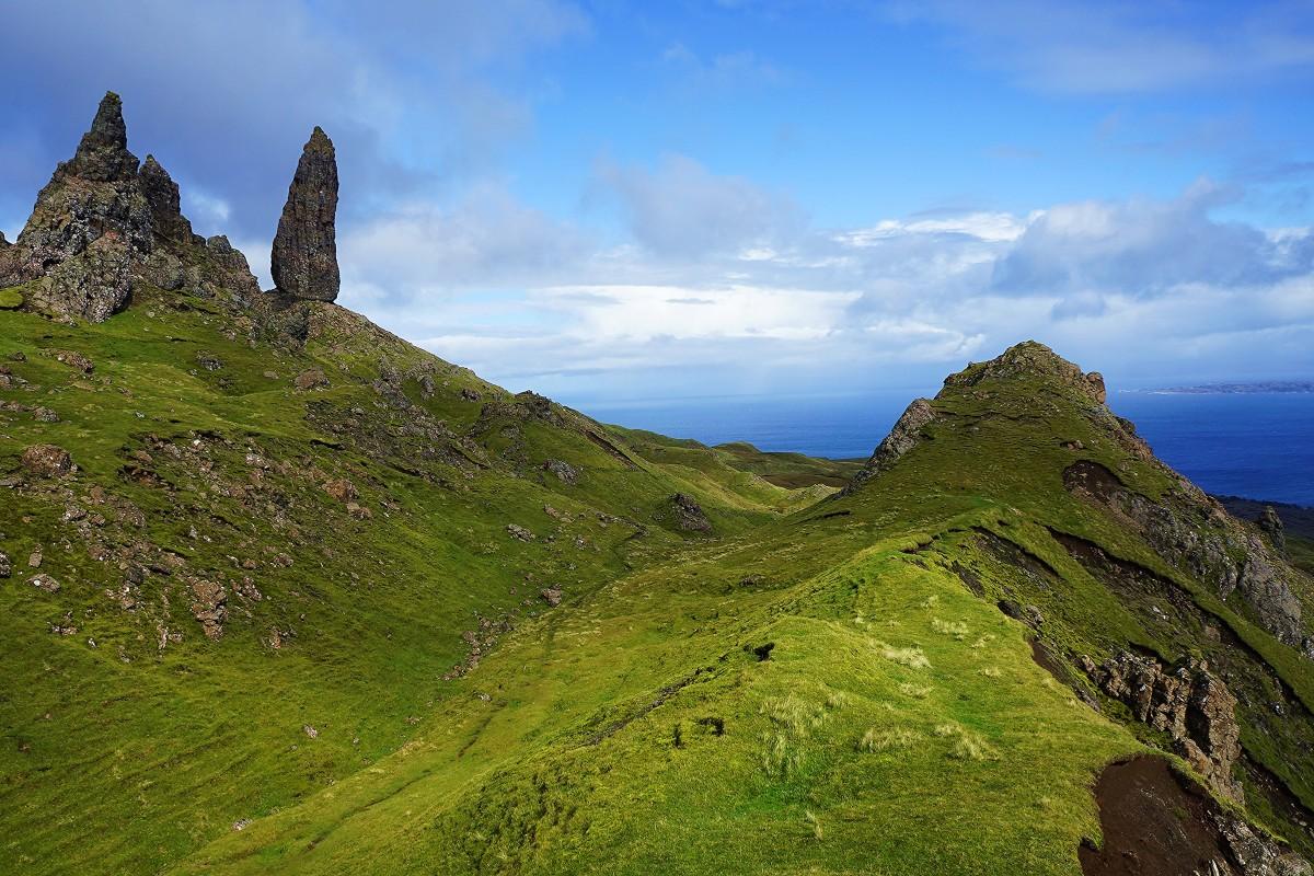 Zdjęcia: Wzgórze Storr , Wyspa Skye, Szkocka zieleń i błękit, SZKOCJA