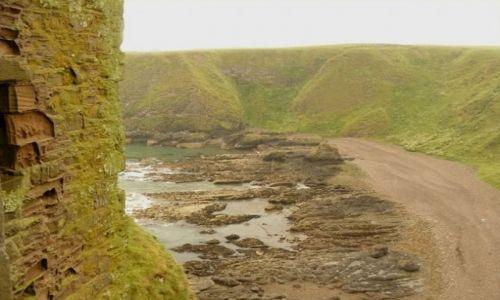 Zdjęcie SZKOCJA / Aberdeen-shire / Stonehaven / widok z zamku Dunnottar