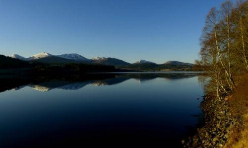 Zdjęcie SZKOCJA / Highlands / Loch Garry / Lustro