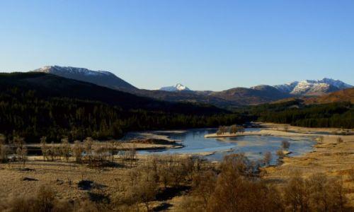 Zdjęcie SZKOCJA / Highlands / Dolina Garry / Mroźny poranek w dolinie