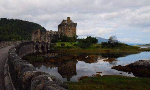 SZKOCJA / Zachodnia część Highlandu / Dornie, nad Jeziorem Loch Duich / Highland