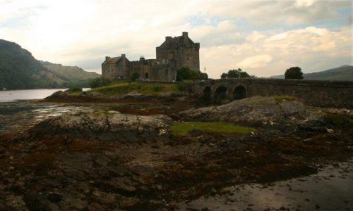 Zdjecie SZKOCJA / Highland's / Tuż przed mostem na wyspę Skye / Eilean Donan Ca