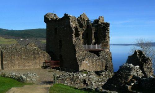 Zdjęcie SZKOCJA / Loch Ness / Urquhart Castle / Jest tam jakaś białogłowa?