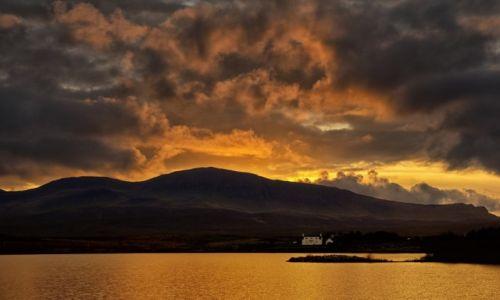 Zdjecie SZKOCJA / Wyspa Skye / Loch Mealt / Domek na emeryture