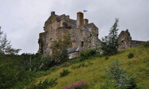 Zdjęcie SZKOCJA / Szkocja / Nie pamiętam / Domek w górach