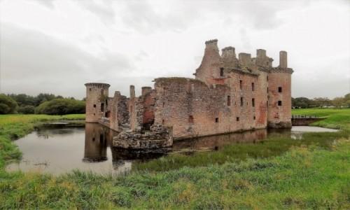 Zdjęcie SZKOCJA / Południowa Szkocja - okolice Dumfries / Zamek Caerlaverock / Postrach Anglików