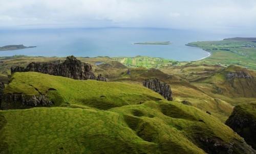 Zdjęcie SZKOCJA / Wyspa Skye / Góry Quiraing / Poszarpana linia horyzontu