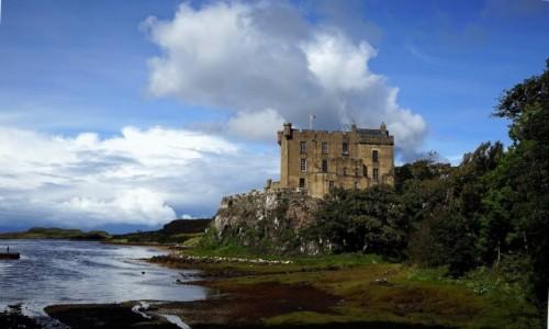 Zdjęcie SZKOCJA / Wyspa Skye / Loch Dunvegan / Zamek nieco z boku