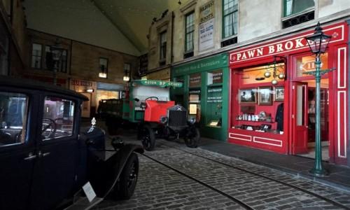 Zdjęcie SZKOCJA / Glasgow / Riverside Museum / Uliczka II