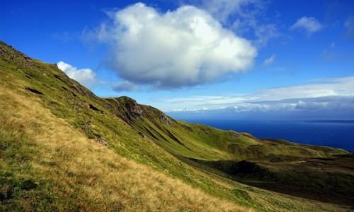 Zdjecie SZKOCJA / Wyspa Skye / Wzgórze Storr  / Chmurka