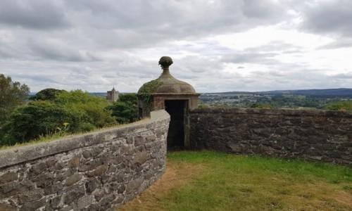 Zdjęcie SZKOCJA / Stirling / Stirling Castle / W murze obronnym.
