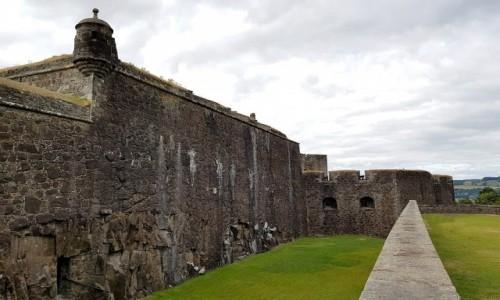Zdjęcie SZKOCJA / Stirling / Stirling Castle / Mury za suchą fosą