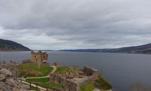 Zdjęcie SZKOCJA / Loch Ness / zamek w sasiedztwie Loch Ness / w poszukiwaniu Nessie
