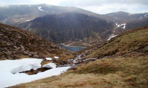Zdjecie SZKOCJA / Cairngorms Mountains / okolice Loch Avon / zima odeszla witaj wiosno !