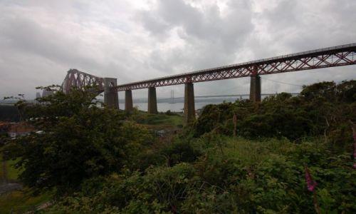 Zdjecie SZKOCJA / Środkowa Szkocja / przeprawa nad zatoka Firth of Forth / Forth Rail Bridge and Forth Road Bridge