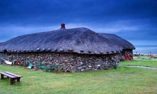 Zdjęcie SZKOCJA / polnoca czesc wyspy / Skye Museum of Island Life / domostwa dawnych mieszkancow  Skye