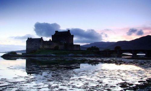 Zdjęcie SZKOCJA / Highland / Dornie -- Loch Duich / Eilean  Donan  Castle