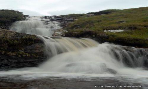 Zdjęcie SZKOCJA / Isle of Skye / Glenbrittle / Wodospad
