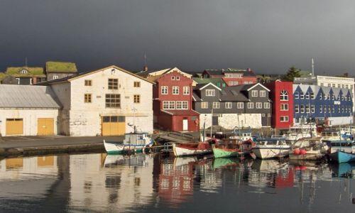 Zdjecie SZKOCJA / Wyspy Owcze / Thorshavn nabrzeże rybackie / Szczypta słońca