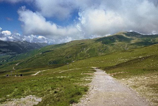 Zdjęcia: Crap Sogn Gion - 2238 m, Góry powyżej miejscowości Laax, Na szlaku, SZWAJCARIA