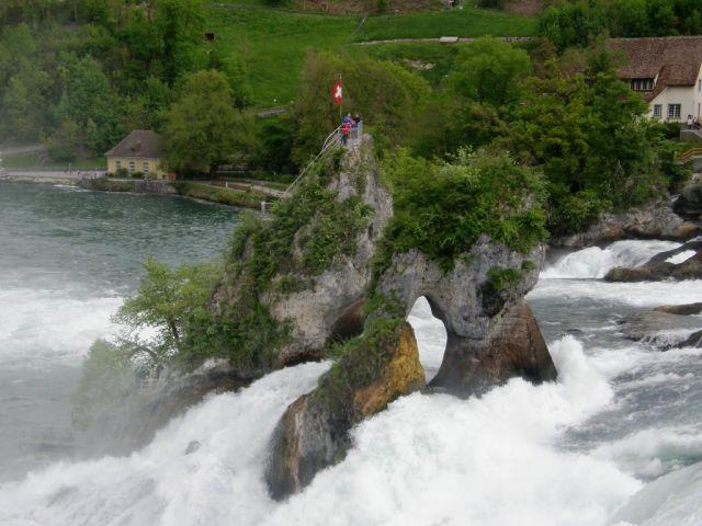 Zdjęcia: Schaffhausen Rheinfall , Wodospad na Renie 4, SZWAJCARIA