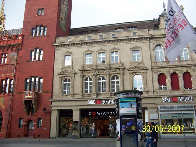 Zdj�cia: BASEL, Nad Renem, Jak w Szwajcarskim BANKU, SZWAJCARIA