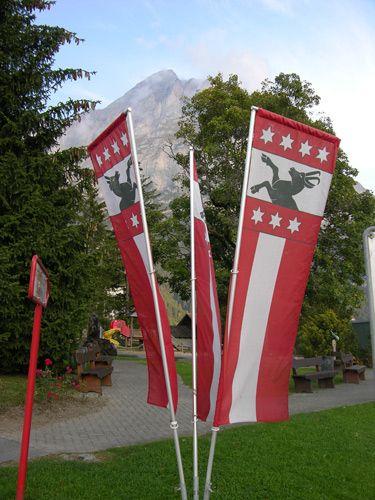 Zdjęcia: Interlaken, Flagi, SZWAJCARIA
