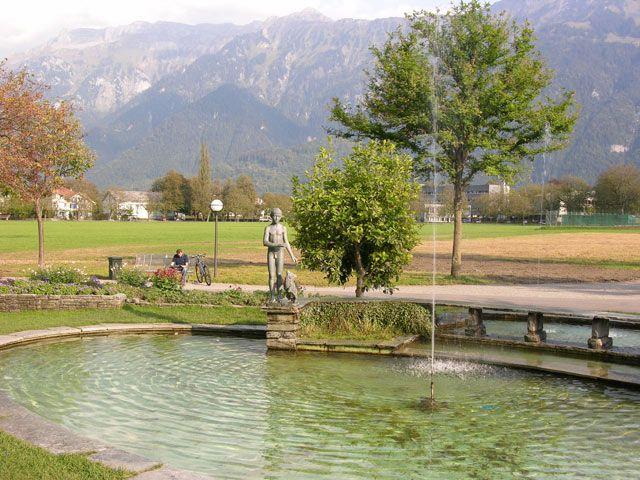 Zdj�cia: Interlaken, Fontanna, SZWAJCARIA