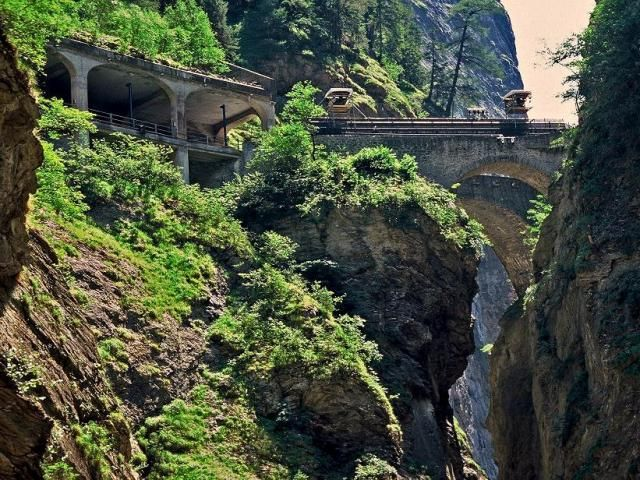 Zdjęcia: Via mala, Kanton Gryzonia (niem. Graubünden) , Mosty Zillis, SZWAJCARIA