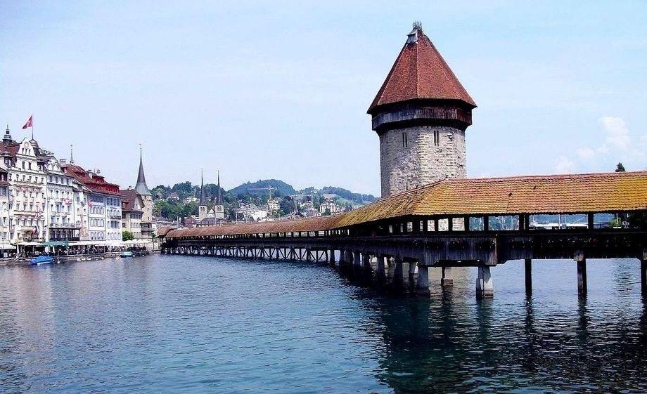 Zdjęcia: Lucerna, Jezioro Czterech Kantonów, Most Kapliczny - Lucerna (Szwajcaria), SZWAJCARIA