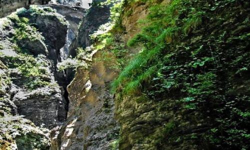 SZWAJCARIA /  Kanton Gryzonia (niem. Graubünden)  / Via mala / Szczelina wąwozu
