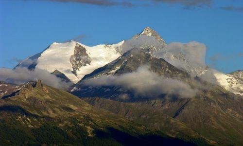 SZWAJCARIA / Valais / Crans Montana / widok z okna... na góry