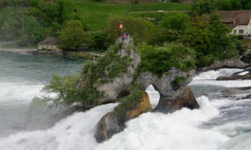 SZWAJCARIA / - / Schaffhausen Rheinfall  / Wodospad na Renie 4