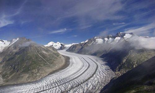 Zdjecie SZWAJCARIA / Alpy Berneńskie  / Lodowiec Aletsch   / Rzeka lodu