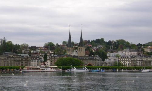 Zdjecie SZWAJCARIA / Kanton Lucerna / Lucerna Od strony Jeziora Czterech Kantonów / Spacerek po Lucernie