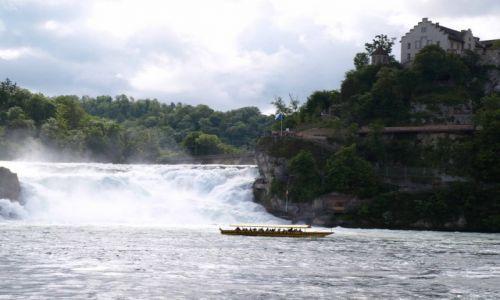 Zdjęcie SZWAJCARIA / północna Szwajcaria / Rheinfall / łódka