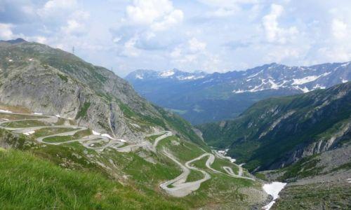 Zdjęcie SZWAJCARIA / -Szwajcaria / na przełęczy Św.Gottarda / nasza droga w dół
