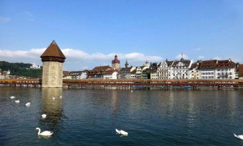 Zdjecie SZWAJCARIA / Lucerna / nad rzeką  Reuss / panorama  starówki Luceny