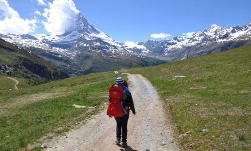 Zdjęcie SZWAJCARIA / Alpy / Zermatt / U stóp Matterhornu