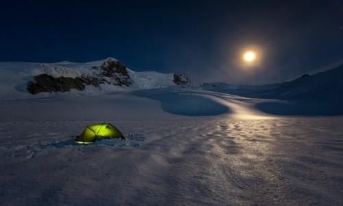Zdjecie SZWAJCARIA / Valais / Alpy Walijskie / Biwak pod Weiss