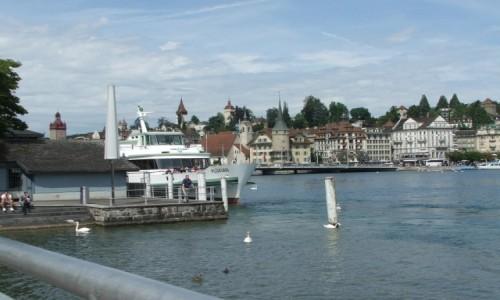 SZWAJCARIA / Kanton Lucerna / Lucerna / . Lucerna leży nad jeziorem Czterech Kantonów